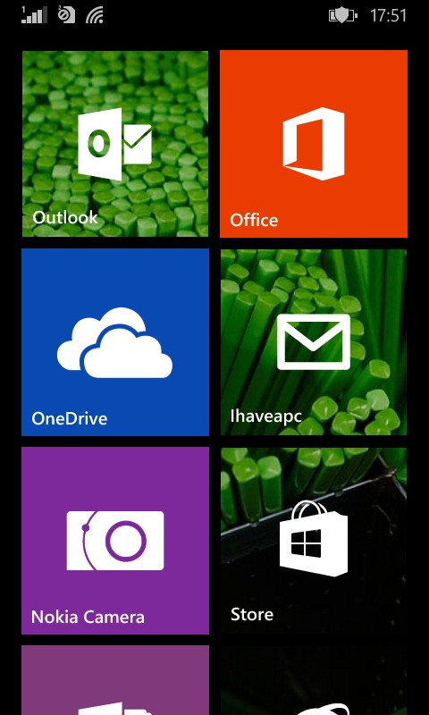 Taking a screenshot of home screen in Lumia phone